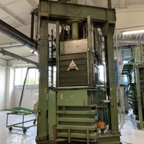 AUTEFA bale press - 517